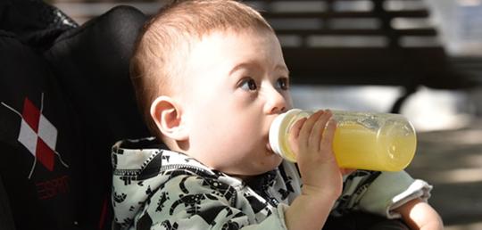 미국소아과학회, 1세 미만 영아에 주스 금지 권고해